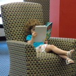 girl_reading_chair